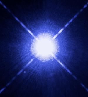Двойная система Сириус, слева внизу видна меньшая звезда (wikipedia.org)