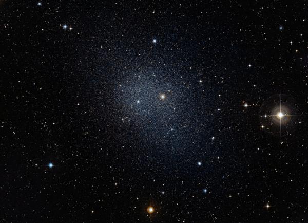 Одна из сферических карликовых галактик-спутников Млечног пути (nasa.gov)