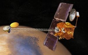 Примерно так выглядит зонд на орбите около планеты (space.com)