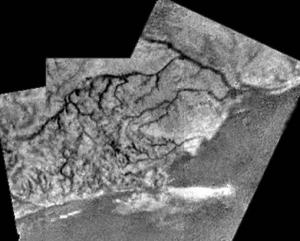 Снимок поверхности, сделанный Гюйгенсом (wikipedia.org)