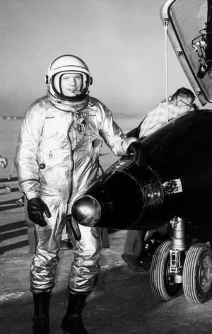 После испытания самолета Х-15 (space.com)