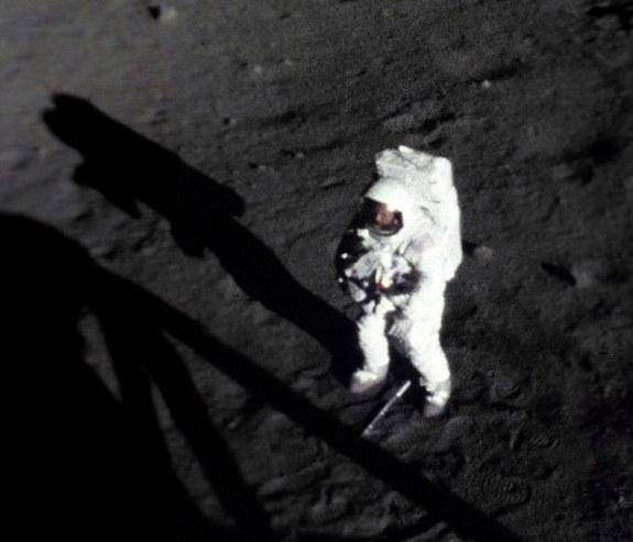 На Луне (space.com)