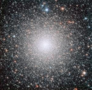 Центр скопления на снимке Хаббла (eso.org)