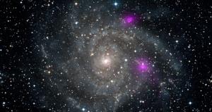 Черные дыры в галактике IC342 (nasa.gov)