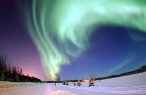 Полярное сияние над Аляской (wikipedia.org)