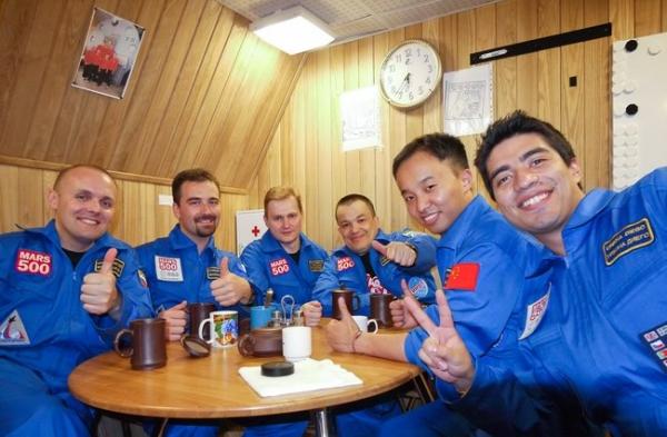 Экипаж (фото - http://mars500.imbp.ru)