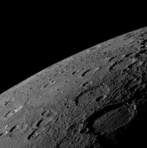 Поверхность Меркурия (wikipedia.org)