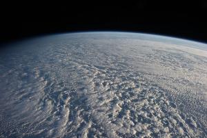 Тихий океан, покрытый облаками (wikipedia.org)