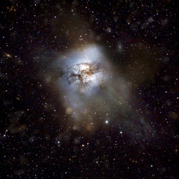 Рисунок типичной галактики с активным звездообразованием (herschel.cf.ac.uk)