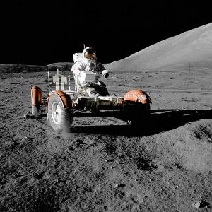 Луноход экспедиции Аполлон-17 (wikipedia.org)