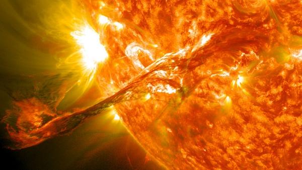 Вспышка на Солнце (wikipedia.org)