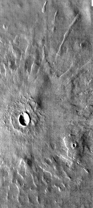 Один из крупных кратеров (phys.org)