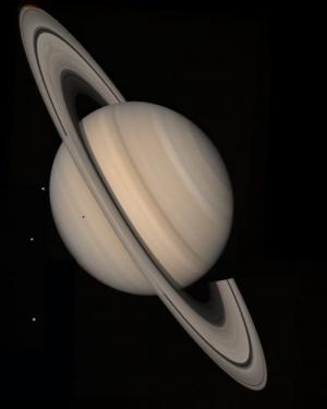 Фотография Сатурна, полученная Вояджером (фото - space.com)