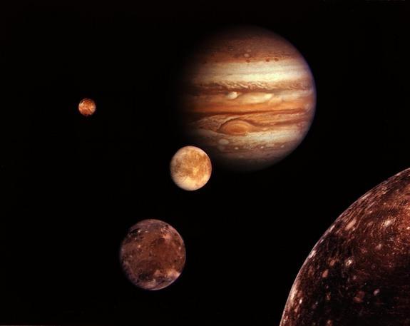 Собранные вместе луны Юпитера - Европа, Ио, Ганимед, Каллисто (space.com)