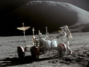 Лунный автомобиль (wikipedia.org)