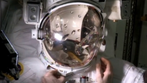 Скафандр Пармитано (space.com)