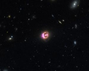 Линзированный квазар RX J1131-1231 (nasa.gov)