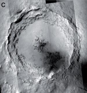 Кратер Мохаве на снимке MRO (space.com)