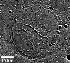Полосы на Меркурии (space.com)