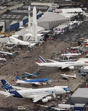 Авиасалон «Ле Бурже». 322000 квадратных метра, 150 лайнеров (Изображение — creep.ru)