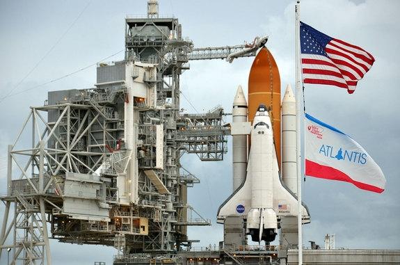 Атлантис готовится к запуску (space.com)