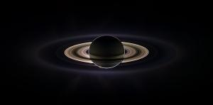 Затмение Солнца Сатурном (wikipedia.org)