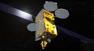 Взгляд художника на спутник Экспресс-АМ4 (space.com)