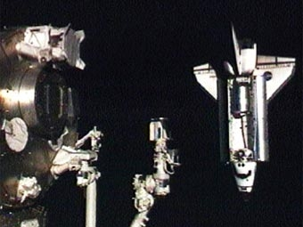 Стыковка «Индевора» и МКС (Фото — nasa)