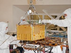 Установка лаборатории внутрь марсохода (space.com)