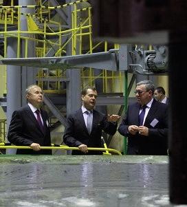 Президент на лыткаринском оптическом заводе (Фото — rian.ru)