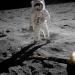 Первый полет человека к поверхности другого небесного тела и высадка на Луне.